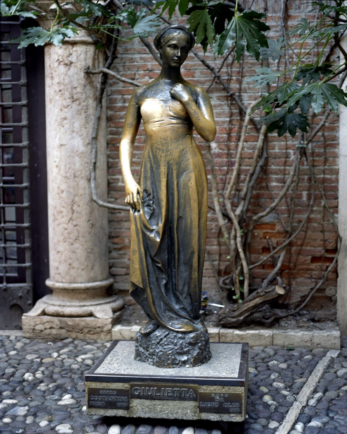 giulietta statue